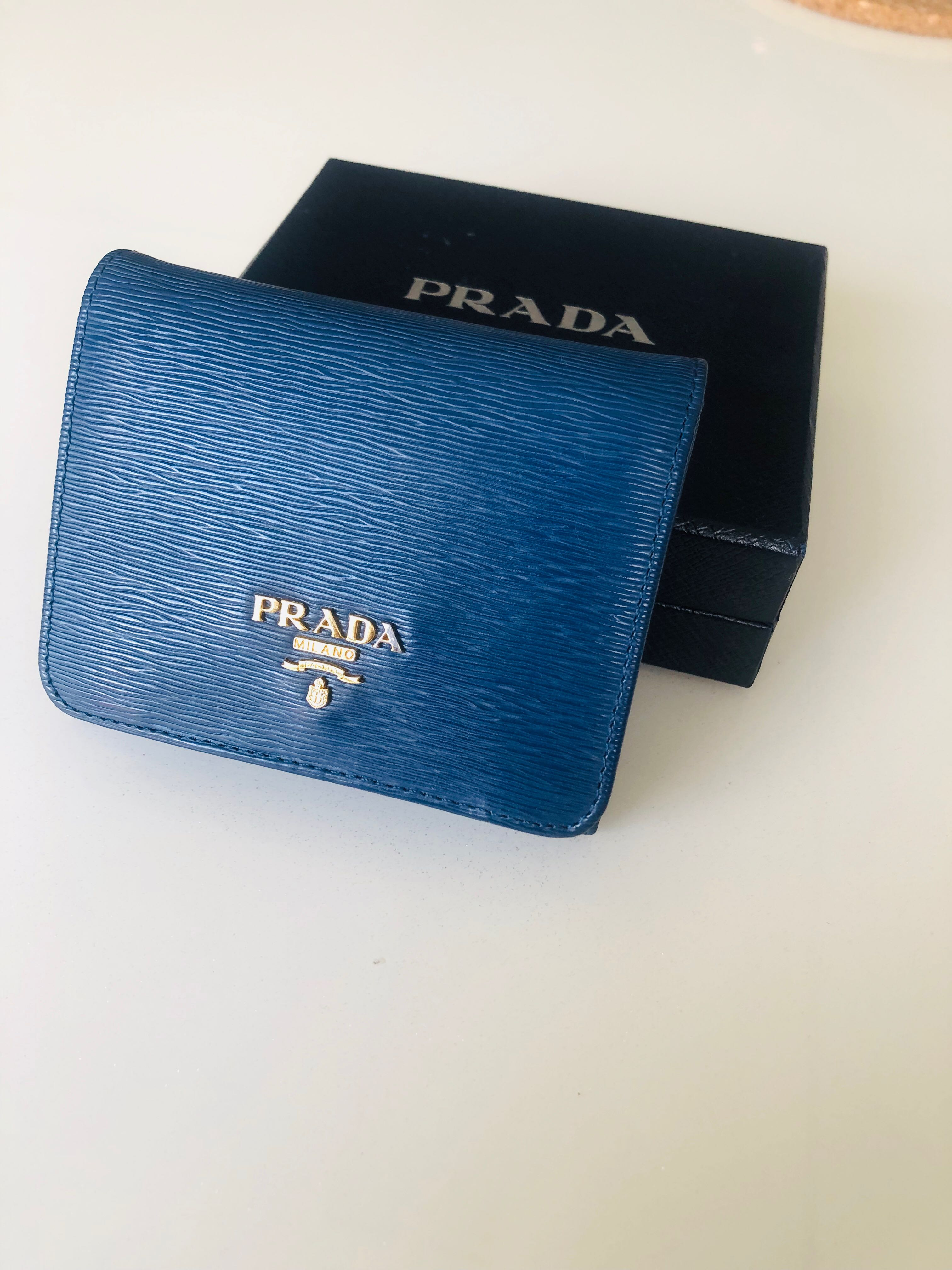 be59ddb0526 🦄PRE-LOVED🦄Authentic Prada Wallet, Women's Fashion, Bags & Wallets ...