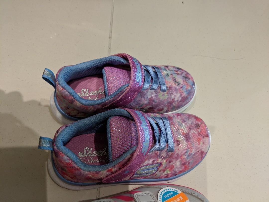 who sells skechers shoes
