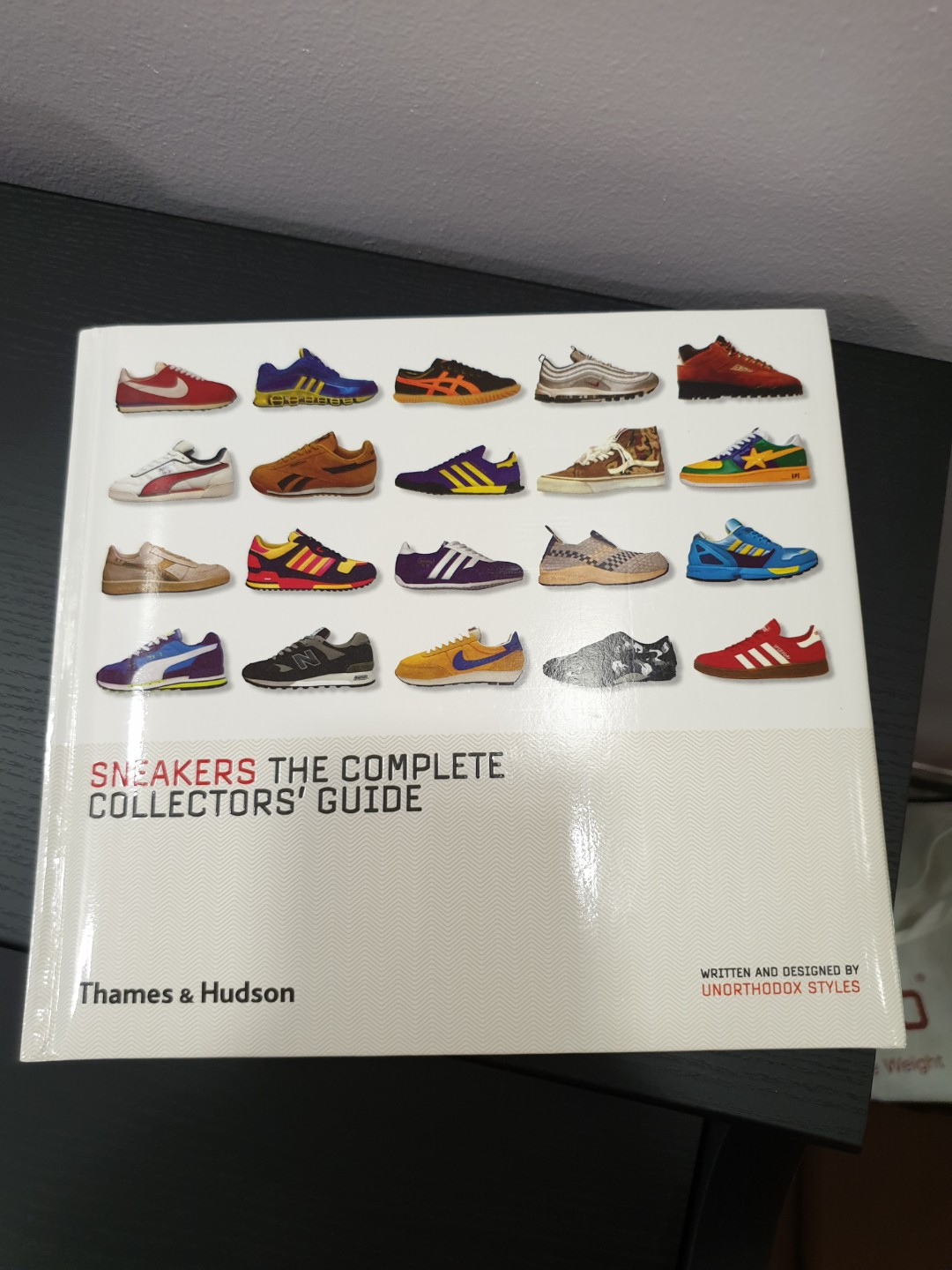 Sneakers The Complete Collectors' Guide |