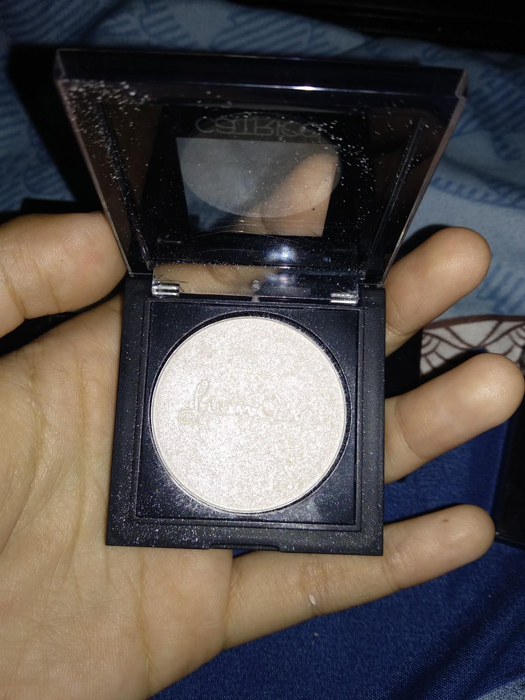 TAKE ALL Catrice Prét-á-Lumiére eyeshadow