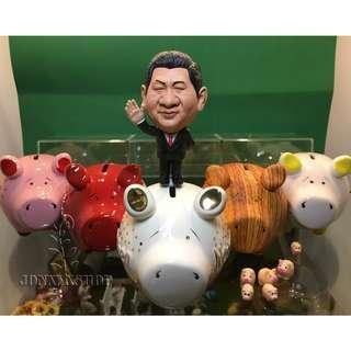 習大大與豬豬 造景擺件 豬仔錢罌 人偶連大豬小豬共12件