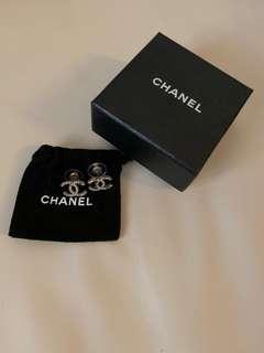 Chanel Earrings 100%real 95%new