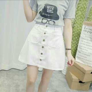 🚚 白色排扣短裙