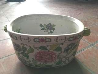 Chinese Famille Rose Basin 粉彩花盆