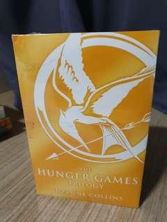 🚚 The hunger games trilogy sets for sale