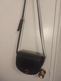 LE CHATEAU Navy Purse