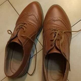 🚚 Women leather oxford size 38 only