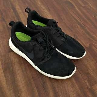 Nike Roshes (Size 10.5 Men)