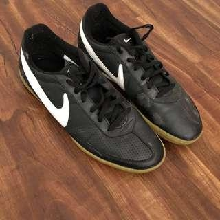 Nike Footstool Shoes (Size 10.5 Men)