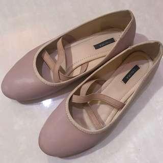 Flat shoes - Zalora