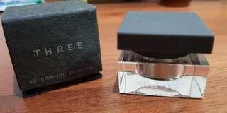THREE Shimmering Color Voil Eye Shadow