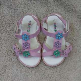 Preloved: Pitter Pat Baby Sandals (size 24)