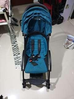 Babythrone compact airplane friendly cabin stroller pram
