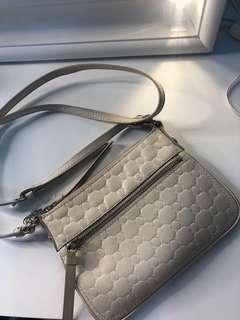 Oroton purse