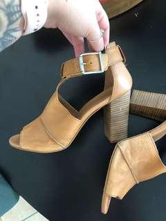 Urban soul heels