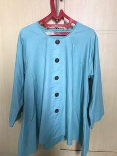 Turqoise blouse