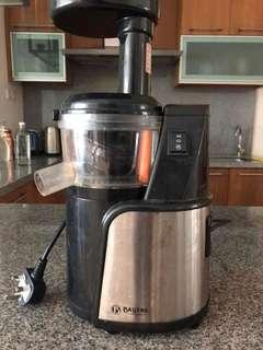 Bayers slow juicer