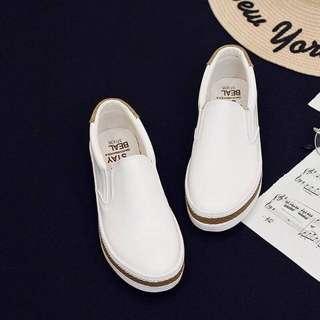 Sepatu slip on LP0074
