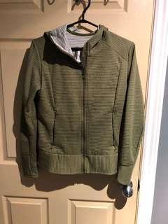 Salomon sweater