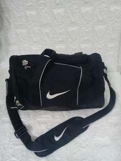 Nike duffle bag/travel bag original