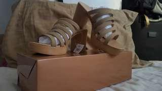 Parisian block heels in size 6