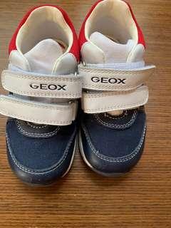 🚚 Geox 男童鞋 size8c