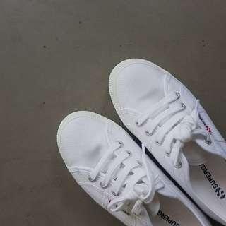Superga's Flatform Sneakers
