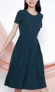 All would envy forest green Pleated dress