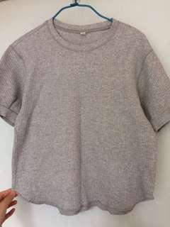 Uniqlo grey tshirt size S