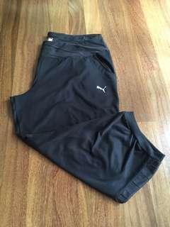Size M Puma 3/4 pant black