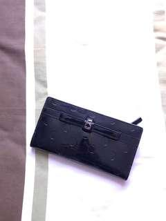 🚚 KATE SPADE BLACK WALLET. 100% authentic.