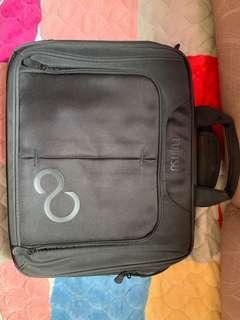 Fujitsu 手提電腦袋