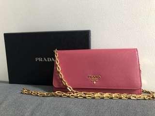 Prada  wallet pink color new
