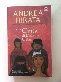 Novel cinta dalam gelas dan padang bulan andrea hirata