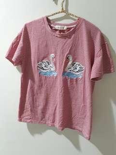 🚚 日系 天鵝刺繡條紋上衣