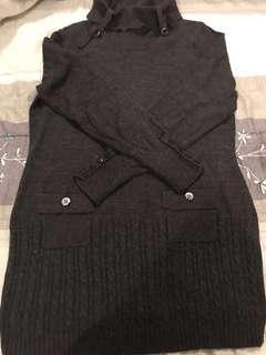 深灰色長版毛衣