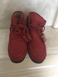 紅色流蘇短靴