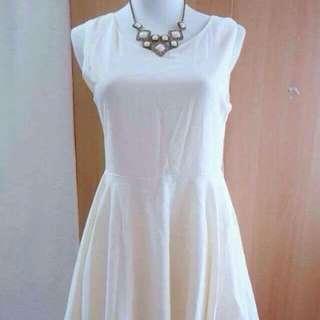 ✨極新✨白色典雅小洋裝