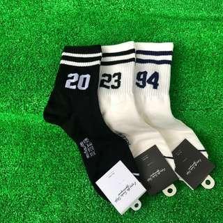 🚚 條紋數字長襪