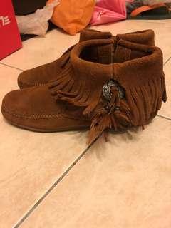 🚚 MINNETONKA 麂皮流蘇短靴 踝靴 印地安