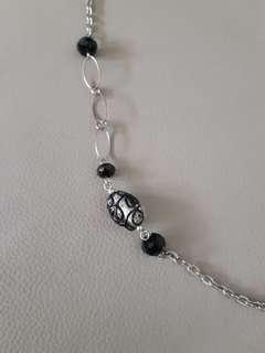🚚 Sophisticated beads on silver necklace