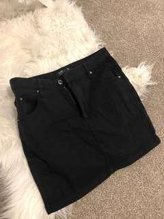 Glassons black denim skirt size 10