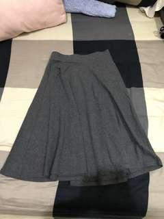 Stradivarius midi skirt (dark grey)