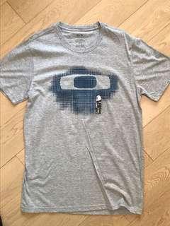 Oakley T shirt