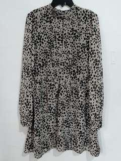 NEW Mididress FOREVER 21BW Size S (Cut Label)