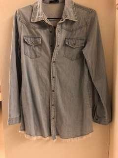 🚚 Pazzo復古刷色銅釦淡藍下擺抽鬚牛仔襯衫/外套