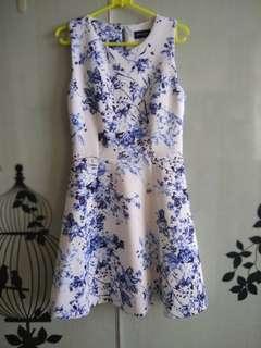 FYN - Premium Blue Floral Dress size S