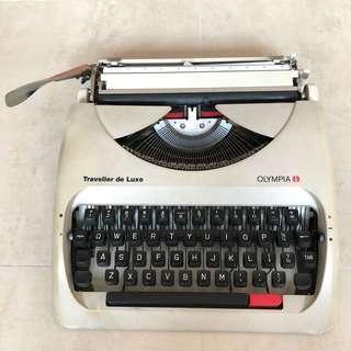 Olympia 打字機