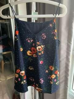 TCL floral top BNWT