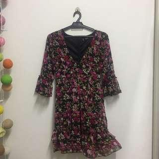 V neck floral dress